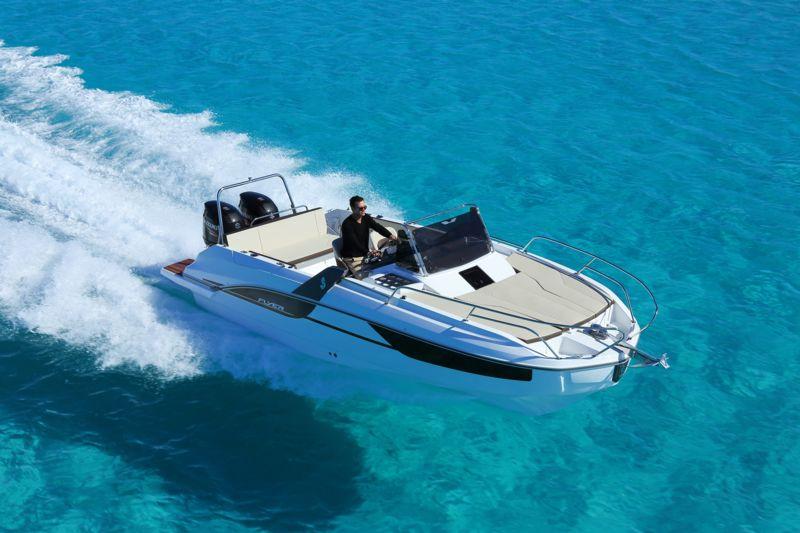 bateau  Flyer 7.7 Sundeck