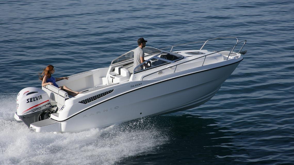 bateau a moteur invention