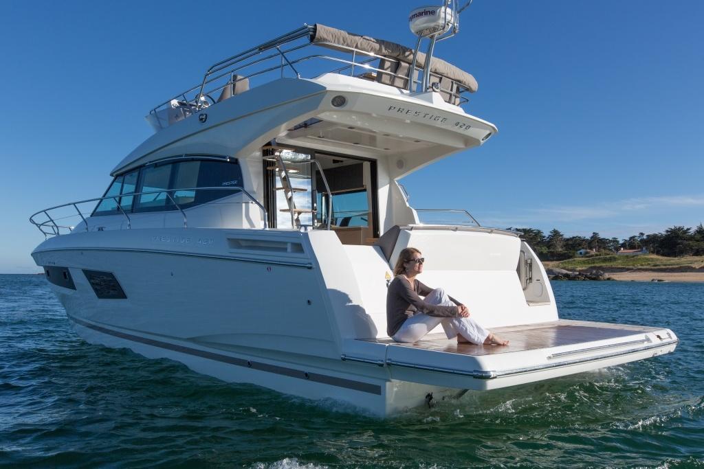 bateau moteur PRESTIGE 420 Zeelander