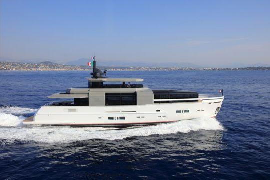 bateau Clear Marine Arcadia 100