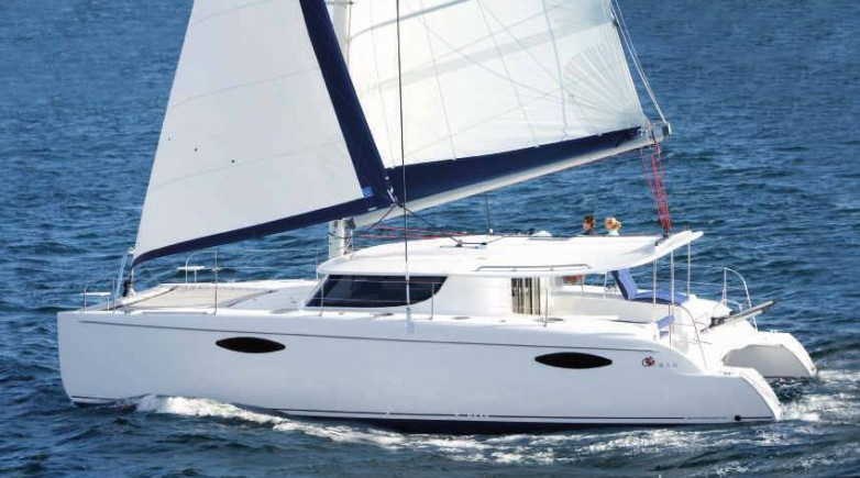 bateau moteur Fountaine Pajot Orana 44