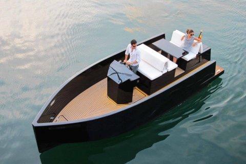 bateau Boston Whaler D23 Tender