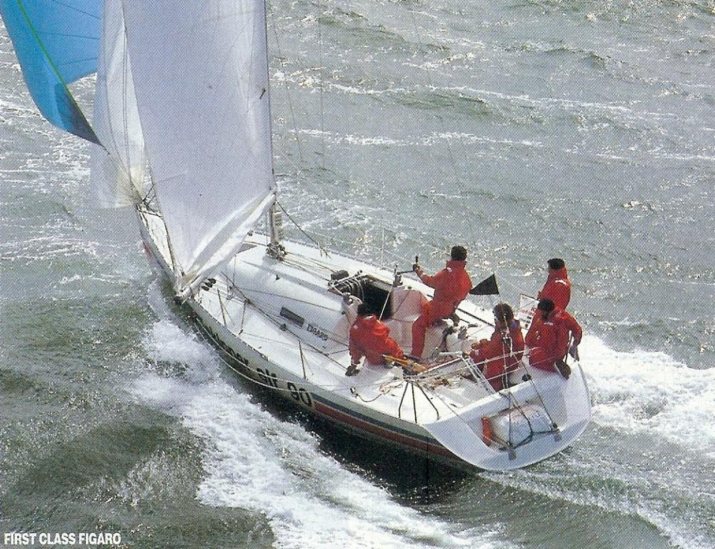 bateau moteur  Figaro 1