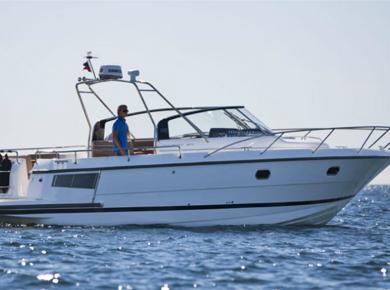 bateau moteur  34 Nova S