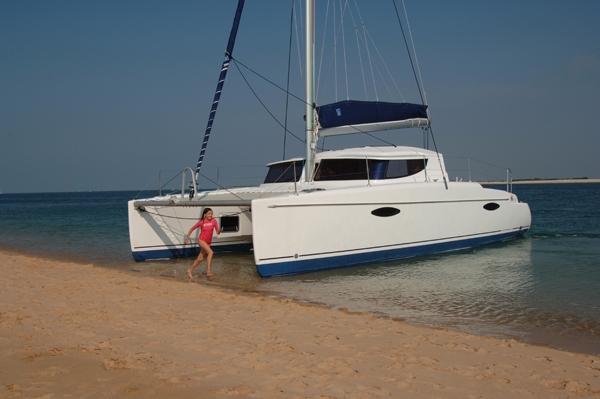 bateau moteur Fountaine Pajot Mahe 36