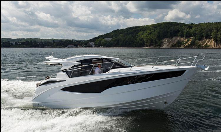 bateau moteur NIMBUS 370 HTC