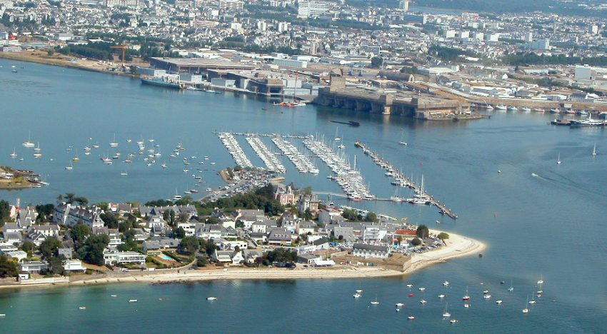 Lorient - Base des sous-marins - port de plaisance