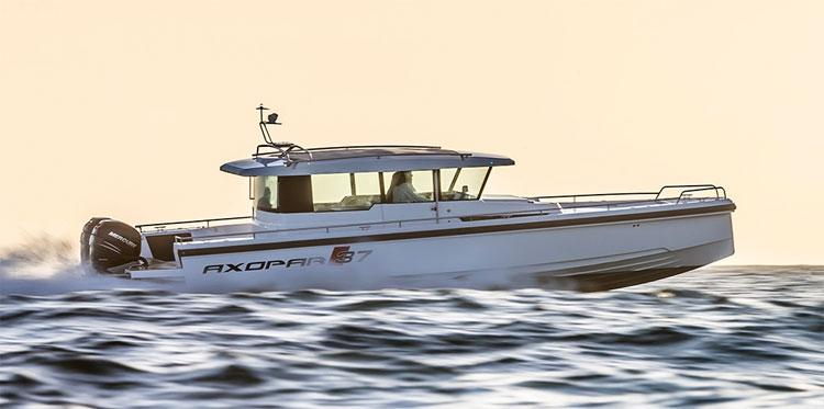 bateau White Shark 37 Cabin