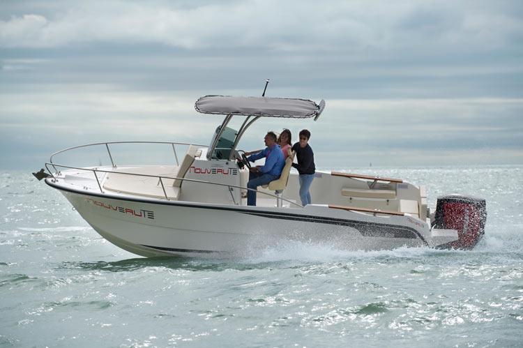bateau Bénéteau Ostréa 800 T-Top Outboard