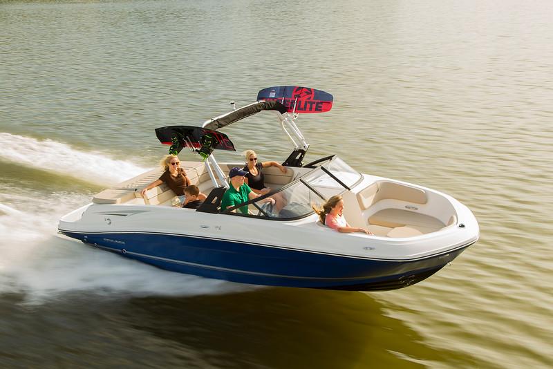 bateau Axopar VR6 Bowrider