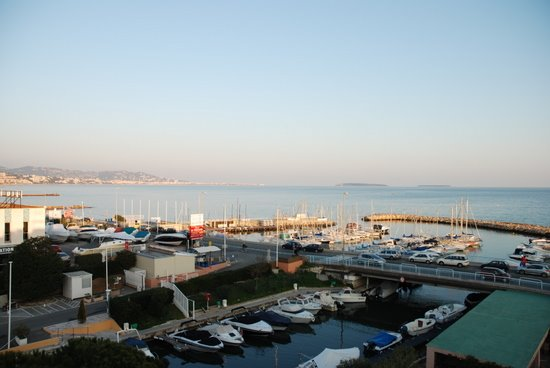 Cannes - Port du Béal - port de plaisance