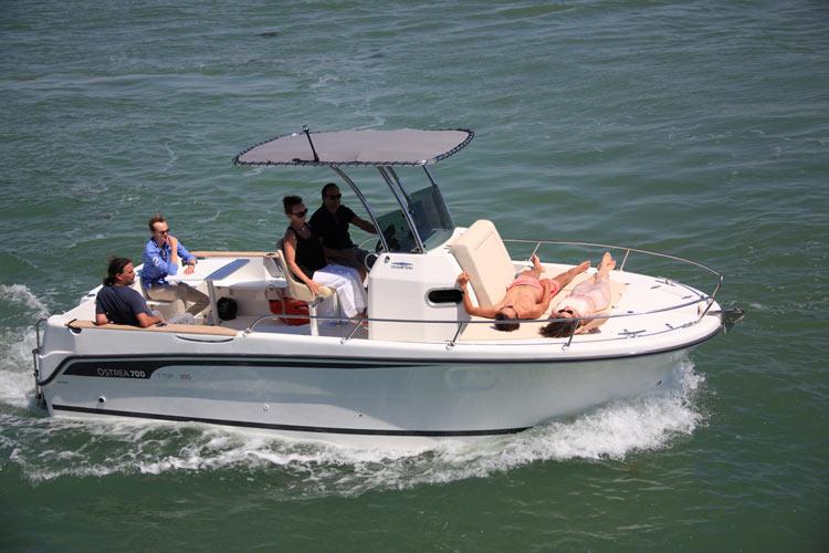 Ostréa 700 T-Top Inboard de