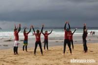 Pendant un cours de surf à La Palue (29)