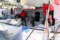 Préparation du voilier MACSF de Bertrand De Broc