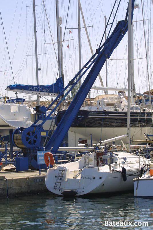 Photo Grue de la zone technique de Port Grimaud