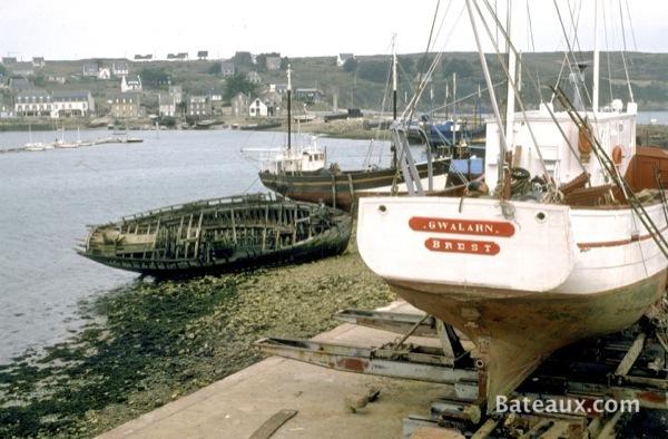 Photo Gwalarn de Brest au carénage à Camaret en 1977