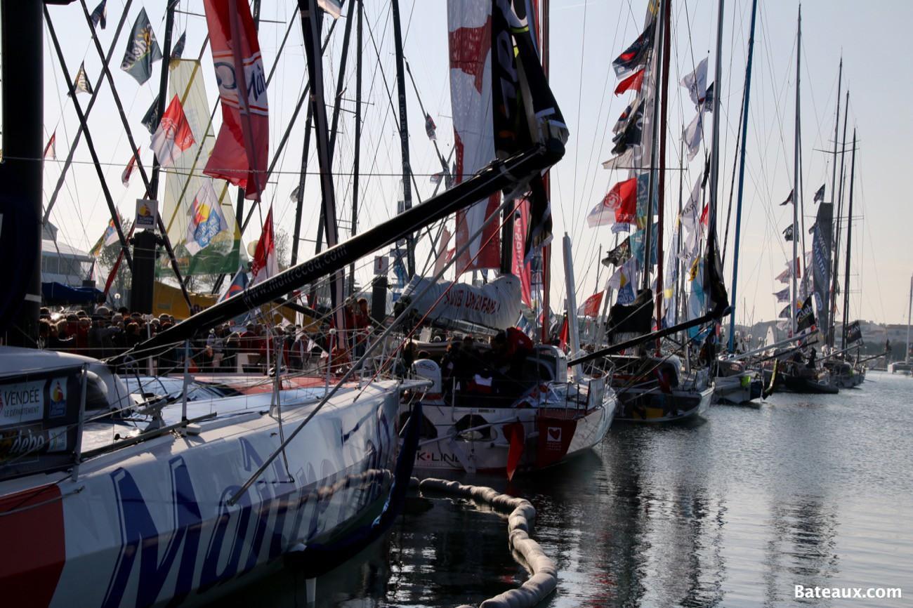 Photo Voiliers IMOCA sur le ponton du Vendée Globe 2016