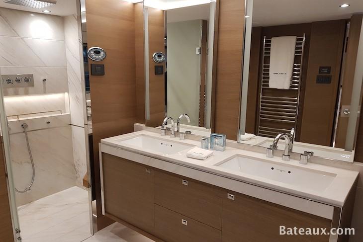 Photo Salle de bain cabine propriétaire