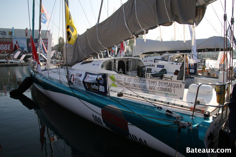 Photo Voilier 100 % NATURAL ENERGY - ponton du Vendée Globe 2016