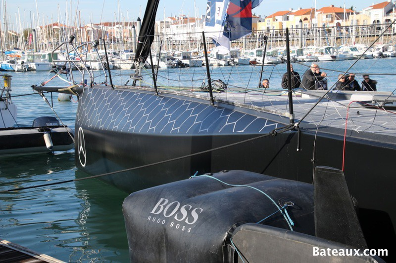 Photo Voilier Hugo Boss aux Sables d'Olonne