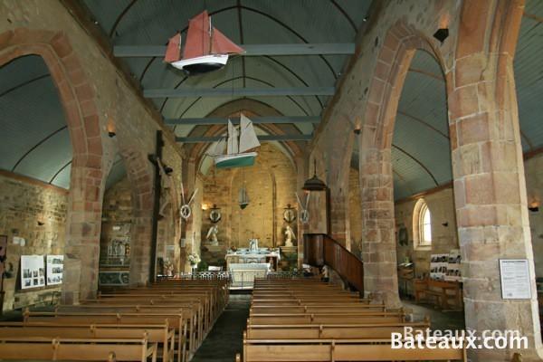 Photo Intérieur de la chapelle Notre-Dame de Rumengol à Camaret