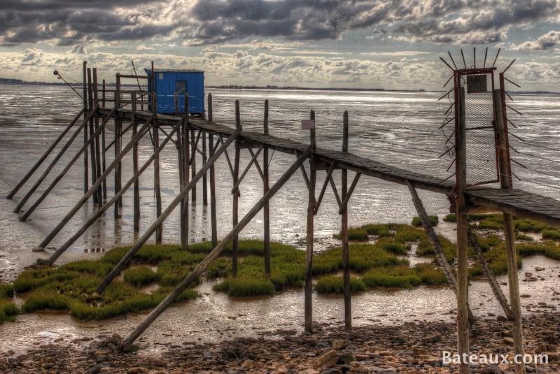 Photo Cabane à Carrelet sur ponton en bois