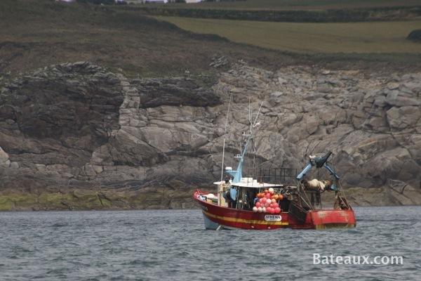 Photo Bateau de pêche au large de Brest
