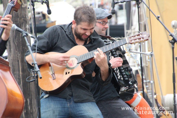 Photo Guitariste sur le festival de Loire 2013