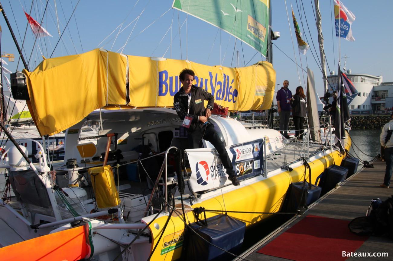 Photo IMOCA Bureau Vallée de Louis BURTON