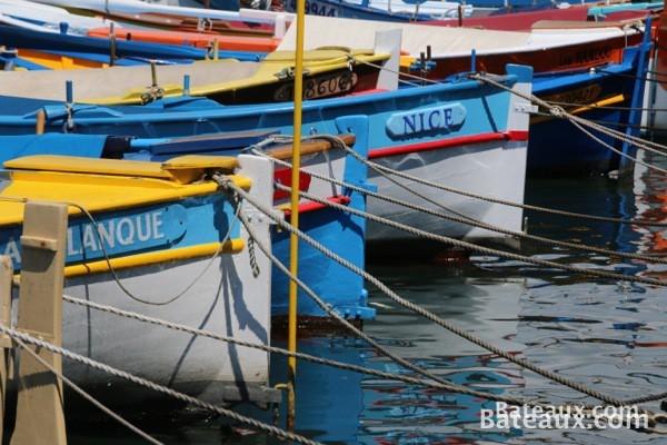 Photo Les pointus du port de Nice (06)