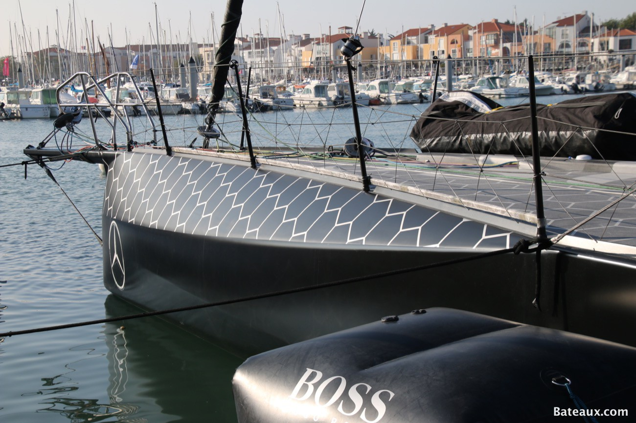 Photo Hugo Boss d'Alex Thomson aux Sables d'Olonne