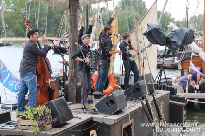 Photo Groupe de musique sur le festival de Loire 2013