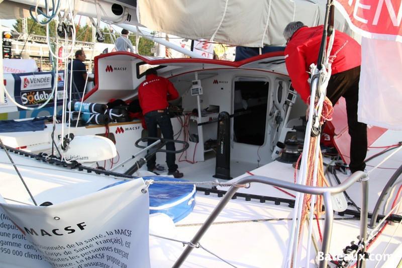 Photo Préparation du voilier MACSF de Bertrand De Broc