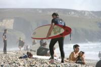 Surfeur sur la plage de la Palue (29)