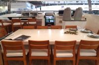 Salle à manger sur le flybridge