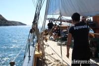 L'équipage sur le pont de La Recouvrance