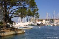 Port Grimaud n'est pas un port traditionnel avec ses canaux
