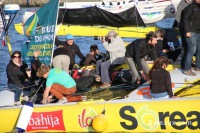Acapella quittant Saint-Malo lors de la route du Rhum 2014 - 4