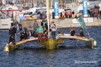 Acapella quittant Saint-Malo lors de la route du Rhum 2014 - 10