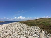 Plage de galets sur le Ledenez de Molène