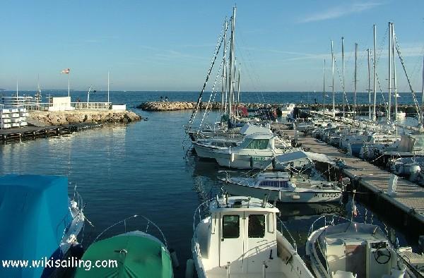 Port cannes port du b al 6 informations maritimes sur le port de plaisance - Port de cannes capitainerie ...