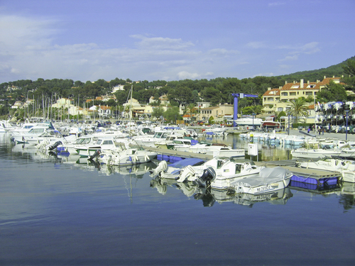 Port saint cyr sur mer la madrague 83 informations maritimes sur le port de plaisance - Office de tourisme saint cyr sur mer ...