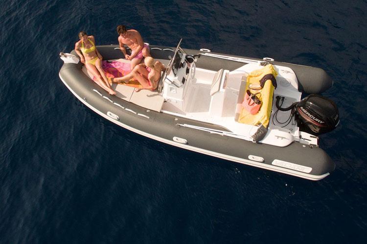 Plan d'amenagement du bateau a moteur