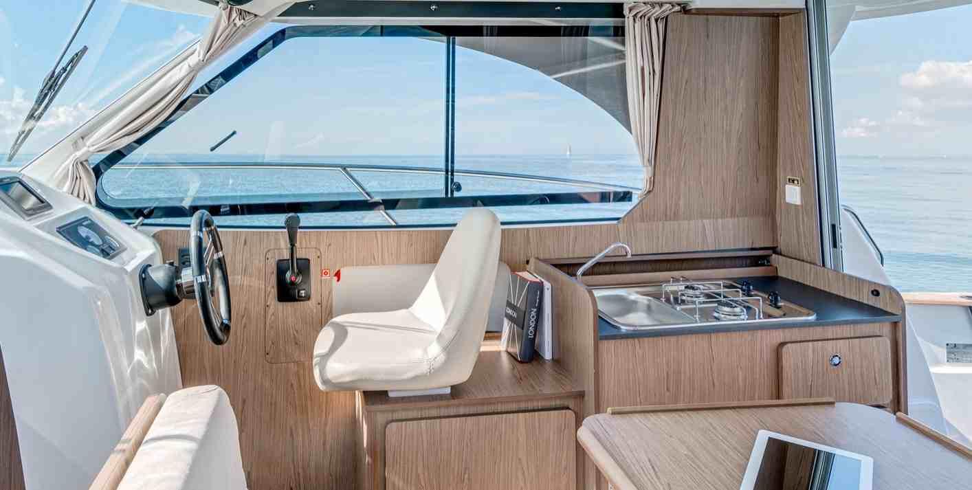 b n teau antares 8 ib bateau moteur fiche technique. Black Bedroom Furniture Sets. Home Design Ideas