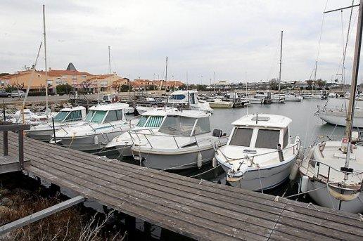 Port les cabanes de fleury 11 informations maritimes sur le port de plaisance - Office tourisme fleury d aude ...