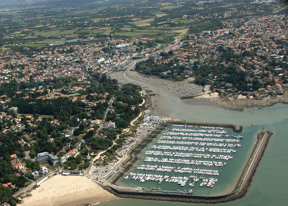 Port pornic 44 informations maritimes sur le port de plaisance - Horaires des marees pornic ...
