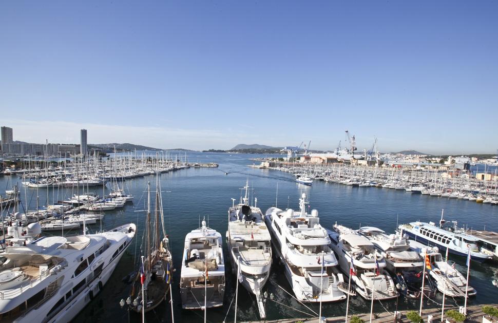 Port toulon darse vieille 83 informations maritimes - Place de port disponible mediterranee ...