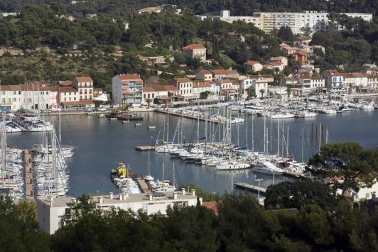 Port toulon darse vieille 83 informations maritimes sur le port de plaisance - Office de tourisme saint mandrier ...
