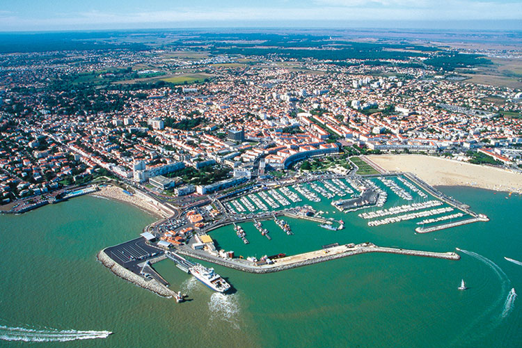 Port royan 17 informations maritimes sur le port de plaisance - Horaire du bac royan ...