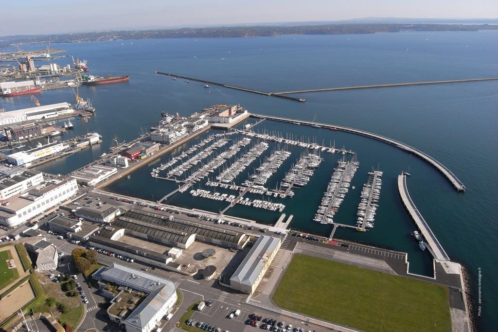 Port brest marina du ch teau 29 informations maritimes sur le port de plaisance - Restaurant port de commerce brest ...